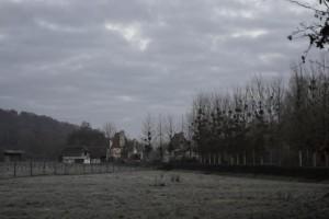 Beaumont-le-Roger-le-Home-sous-la-pluie-300x200
