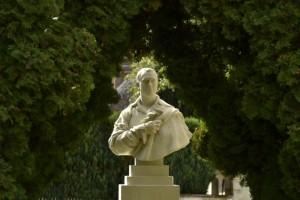 Grosley-statue-300x200 Grosley dans Histoire