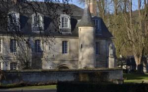 Le-bec-Hellouin-le-pavillon-300x186